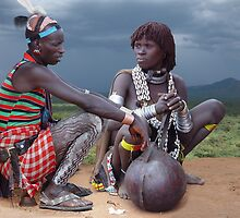 HAMAR COUPLE - ETHIOPIA by Michael Sheridan