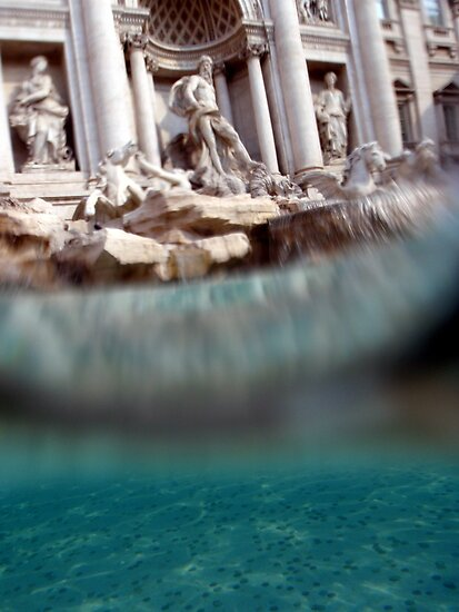Fontana di Trevi by Jo O'Brien
