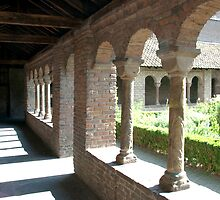 Romanesque cloister gallery and herb garden - Utrecht by steppeland