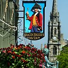 Deacon Brodie's Tavern, Edinburgh by roll6pics