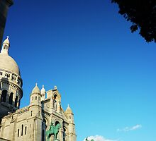 The clear blue sky over Paris by Stephanie Stengel | stelonature photography