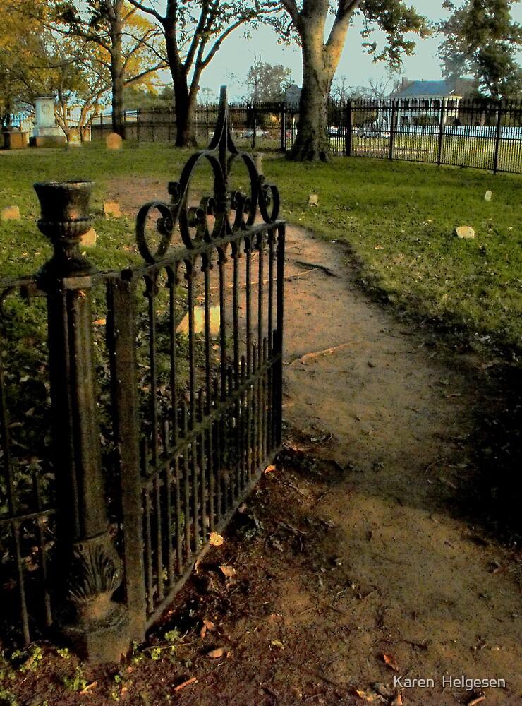 Carnton's Gate by Karen  Helgesen