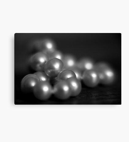 pearls ... Canvas Print