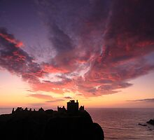 Dunnottar Castle Sunrise. by Empato Photography