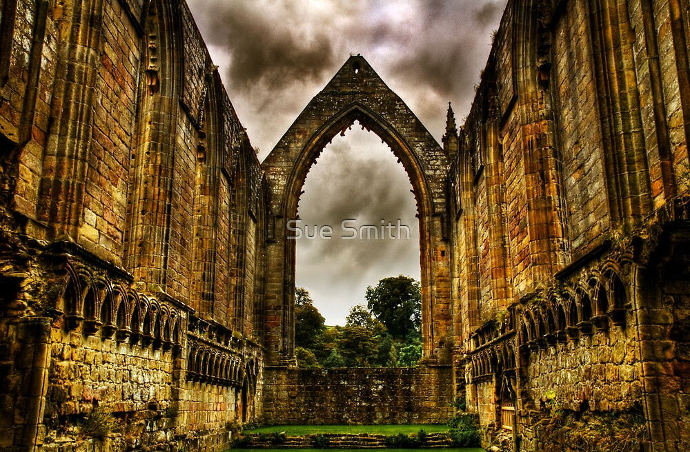 Bolton Abbey Nave. by Sue Smith