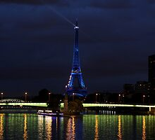 Blue Eiffel Tower from Pont Mirabeau by Erwan Velu