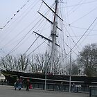 The boat that burnt down ( THE CUTTY SARK ) by dennis wingard