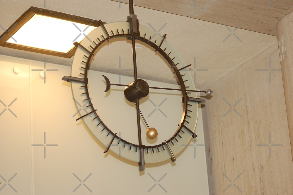 Clock by Griffith's Observatory  by loiteke