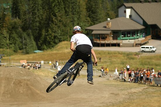 Mountain bike Slopestyle by Hadleigh Thompson
