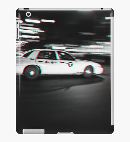Stereoscopic Taxi in New York iPad Case/Skin