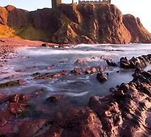 Dunnottar Bay. by Empato Photography