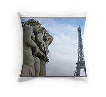 Une chanson pour Paris (Art Card) Throw Pillow