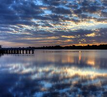 Sunrise in Lake Entrance by Wendy  Meder