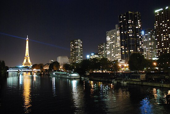 Paris - Seine by night. by Jean-Luc Rollier