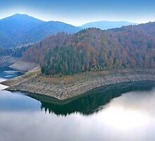 Blue mirror lake. by demigod