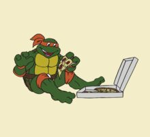 TMNT - Michelangelo with Pizza by DGArt