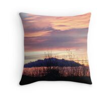 Dawn of a new day, Mt Washington Throw Pillow