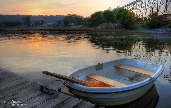 Tina Picard Photographer - Canoe by tinapicardphoto