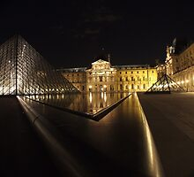Louvre at night by lynnmike2005