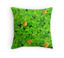 Saint Patrick's clovers pattern with golden coins and ladybugs Throw Pillow