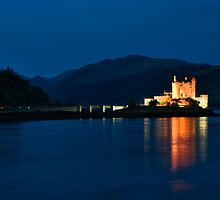 The Iconic Eilean Donan by Lynne Morris