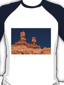 Red Rock Canyon - The Spires ©  T-Shirt