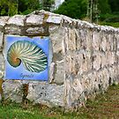 Seaside wall by fourthangel