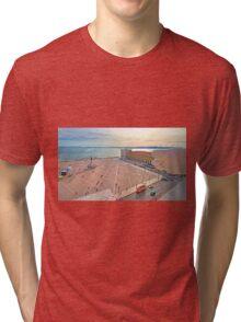 Praça do Comércio. vista do topo do Arco da Rua Augusta. Tri-blend T-Shirt