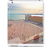 Praça do Comércio. vista do topo do Arco da Rua Augusta. iPad Case/Skin