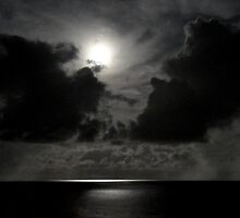 Soft moon on the water - St Martin, DWI by Susana Weber