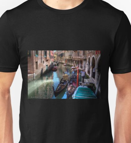 ...waiting for clients in Venice....  T-Shirt
