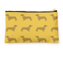 Short haired sausage dogs white collar - yellow Studio Pouch