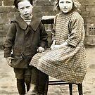 1925 My mum's cousins (photo) by Woodie