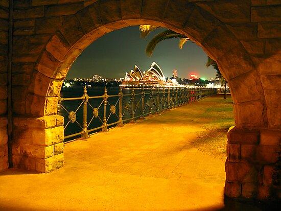 Gateway to Oz by Napier Thompson