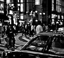 Scène de rue avec taxi by Christophe Mespoulede