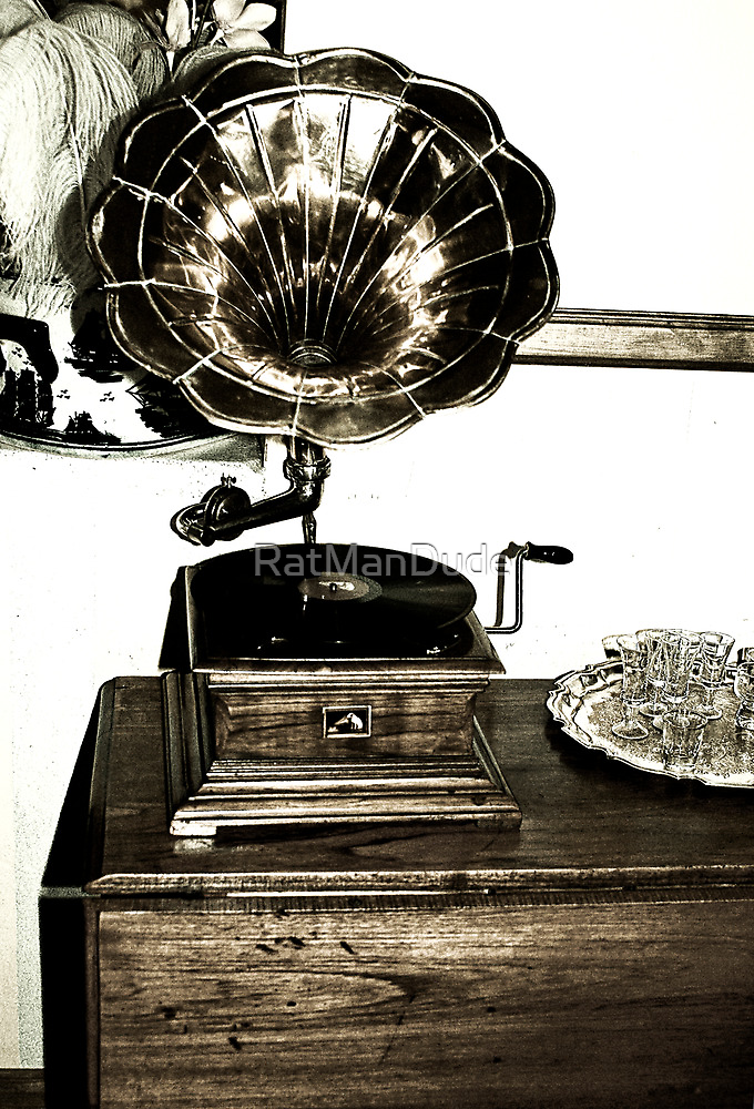 Gramophone by RatManDude