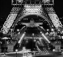 Eiffel Tower at night by aldogallery
