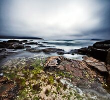 Cloudy Bay Rock Pool by williamHent
