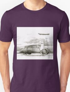 airship and a woman Unisex T-Shirt