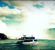 Bedazzling Niagara by lichesify