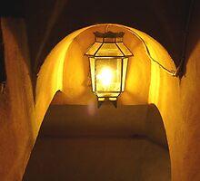 escalera de color amarillo iluminado by GuyAmazed