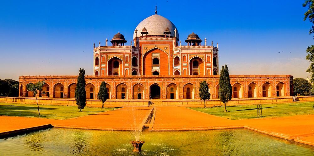 North India - Humayun's  tomb - New Delhi by Geoffrey Thomas