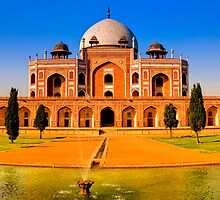 North India - Humayun's  tomb - New Delhi by Geoffrey Thomas