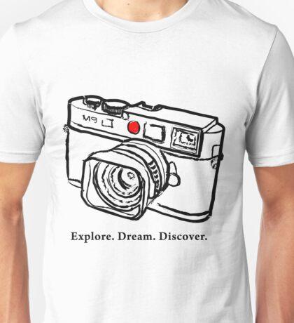 Leica M9 red dot rangefinder camera Unisex T-Shirt