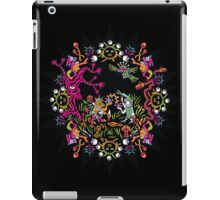 Aztec meeting psychedelic T-shirt iPad Case/Skin