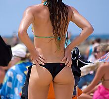 Surfing competition Spectator by Anthony Wilson