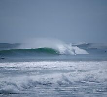 New Plymouth Waves - New Zealand by Anthony Wilson