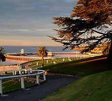 Eastern Beach Geelong. by Joe Mortelliti
