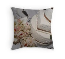 cakes and cakes Throw Pillow