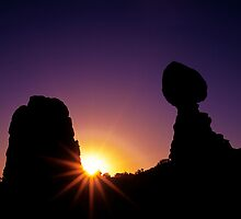 Balanced Rock Sunstar by joerossbach